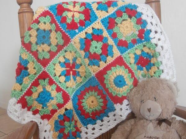 Free Crochet Pattern For Granny Square Sampler : Sampler Granny Square Baby Afghan Share a Pattern