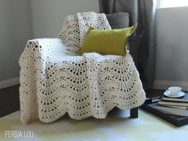 Chunky Feather and Fan Crochet afghan