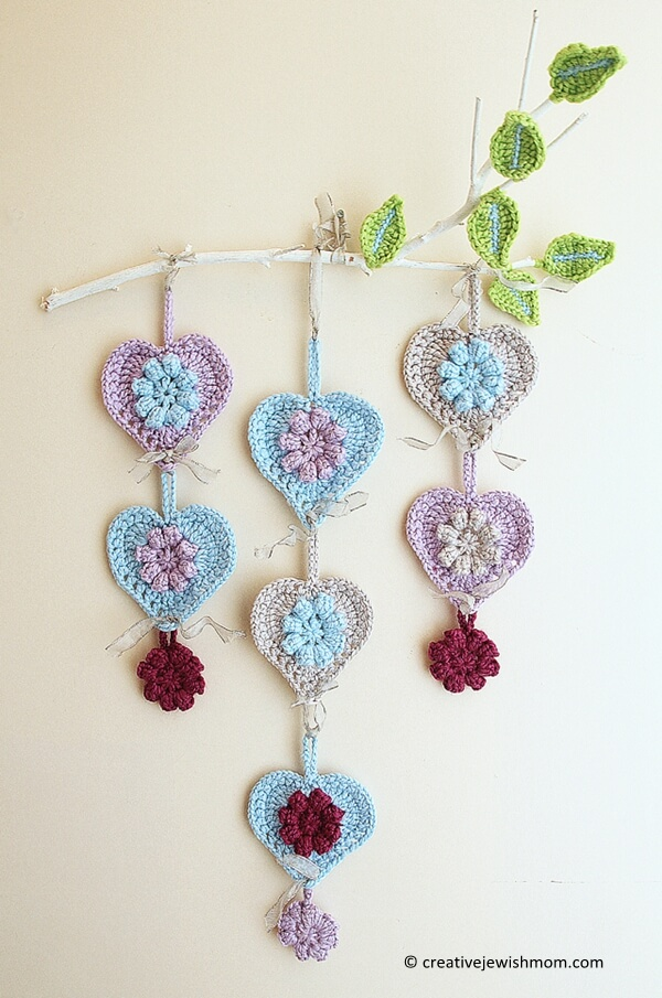 Free Crochet Hanging Heart Pattern : Messyla Crochet Heart Share A Pattern