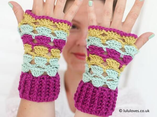 Shell Wrist Warmers