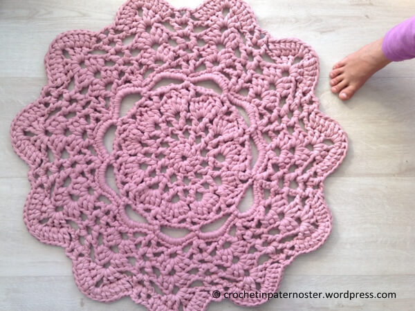 Pink Doily T-shirt Rug