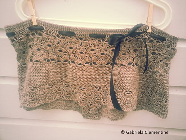 Queen Anne's lacy shorts