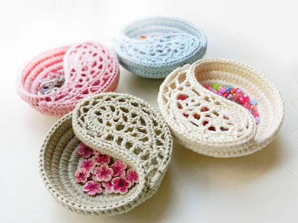 Freeform Crochet Jewelry Dish Share a Pattern