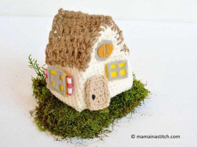 Little Thatch Roof Crochet House