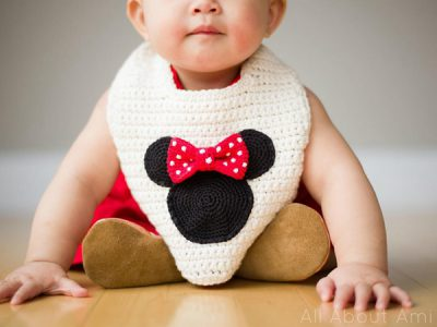 Minnie Mouse Basic Bib