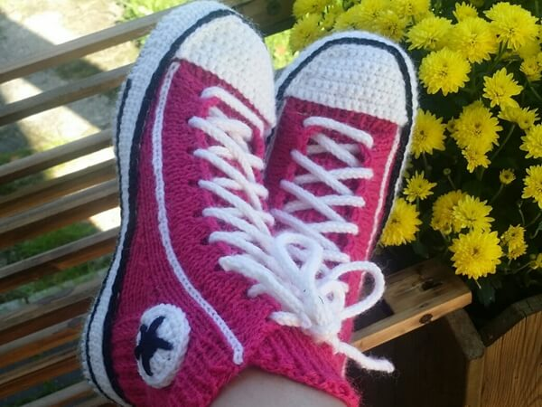 Knitting Patterns For Converse Socks : Converse Reaverse slippers Share a Pattern