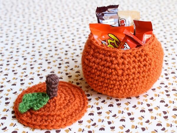 Crochet Pumpkin Treat Bowl Pattern
