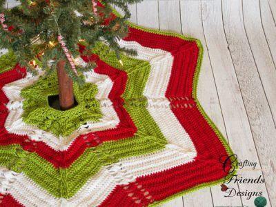 Classic Cable Star Christmas Tree Skirt