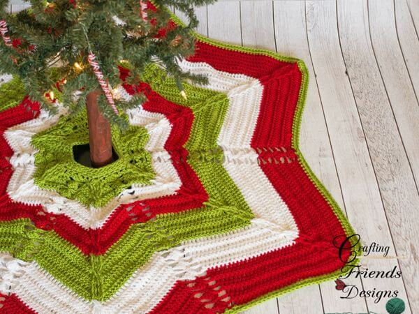 Classic Cable Star Christmas Tree Skirt