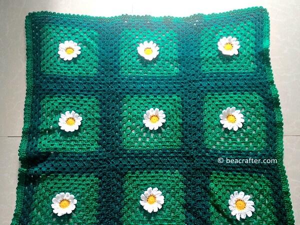 Crochet wild daisies baby blanket