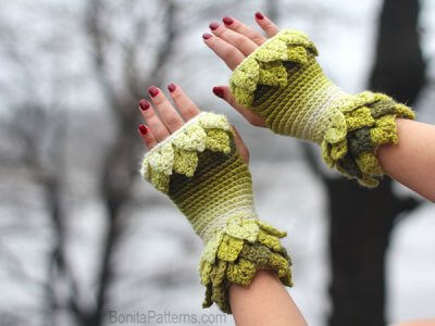 Crocodile Stitch Leafy Fingerless Gloves