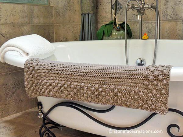 Pretty Puff Bathmat
