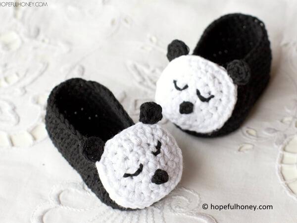 Sleepy Panda Baby Booties