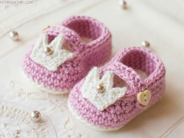 Princess Charlotte Baby Booties - Crochet Pattern (LoveCrochet) 6