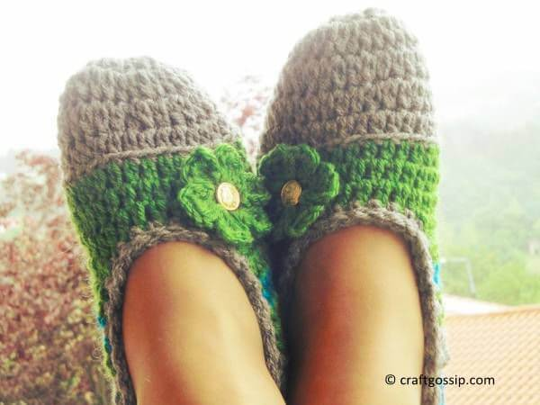 Mommy Flats Crochet Slippers – Share a Pattern