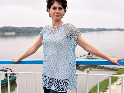 woman lace tank top