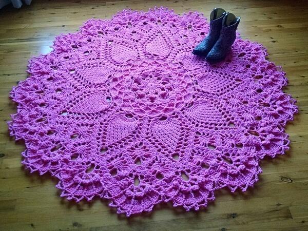 Pineapple Song crochet doily