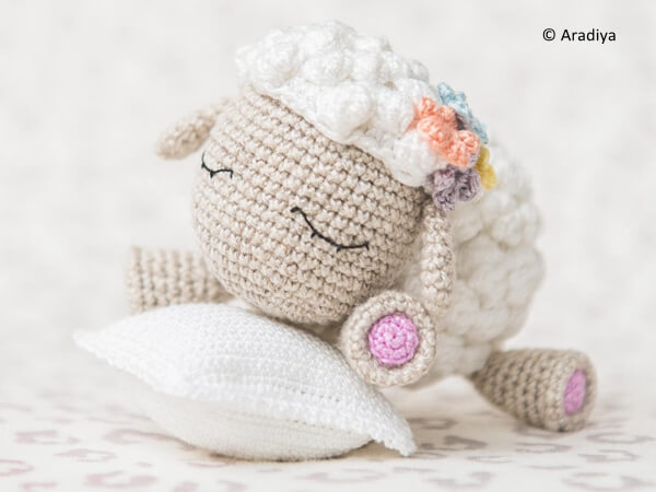 Crochet Pattern of Lamb Shelby