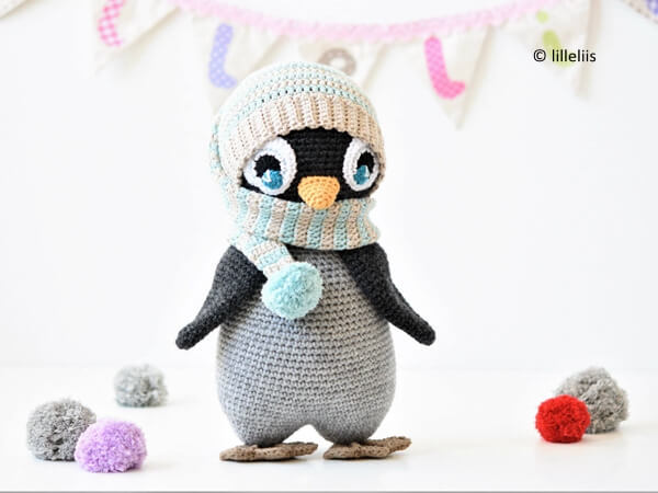 Pompom Hat Penguin
