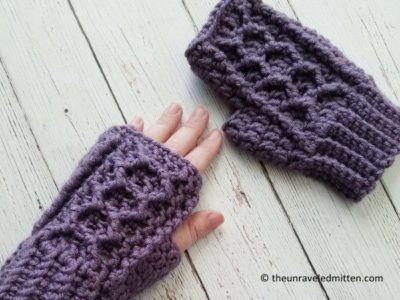 Honeycomb Cabled Fingerless Gloves