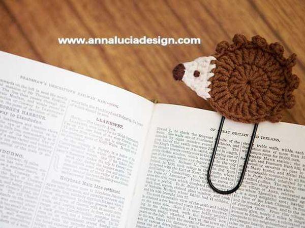 crochet hedgehog bookmarks