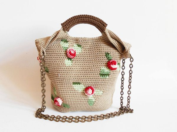 Crochet pattern for 3D roses bag