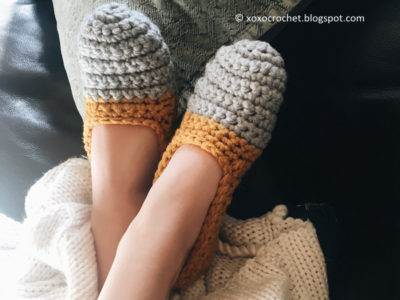 TWO-TONED WOMEN'S SLIPPERS