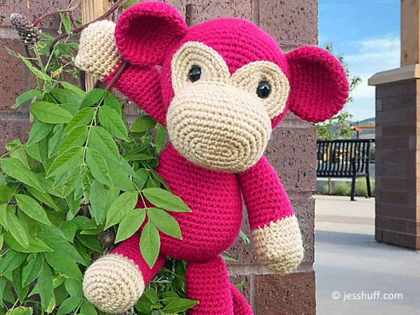 Free Pattern: Crochet Monkey Hats (With images) | Crochet monkey ... | 450x600
