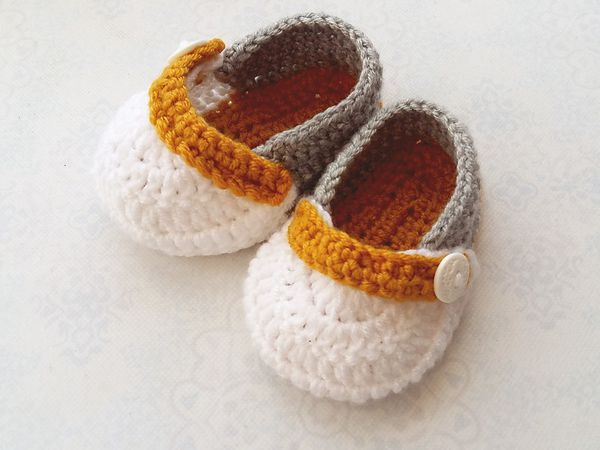 Simple Baby Crochet Booties