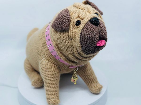 Lifelike Pug dog crochet pattern