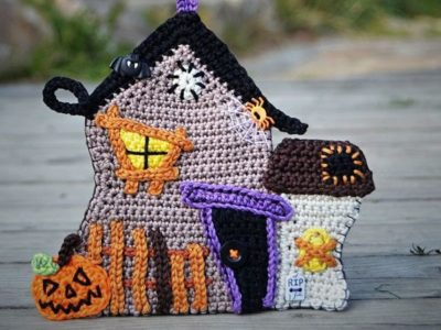 Crochet Haunted House
