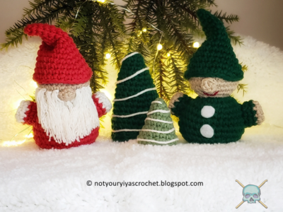 Amigurumi Santa and Elf