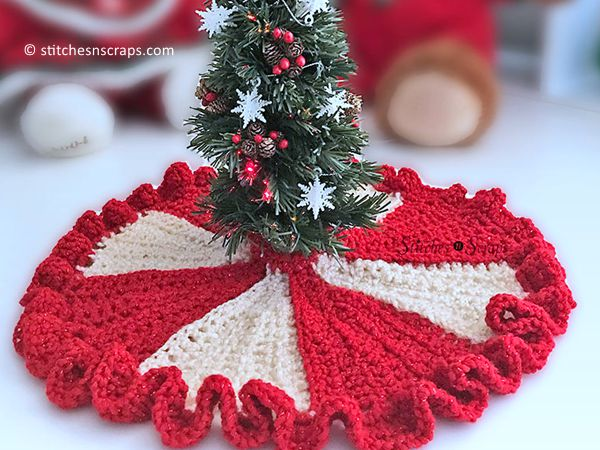 Ruffled Mini Tree Skirt