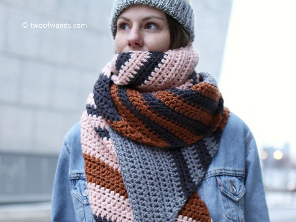 Skyline Bias Scarf