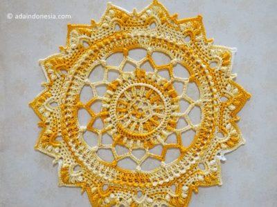 crochet Mentari Doily free pattern
