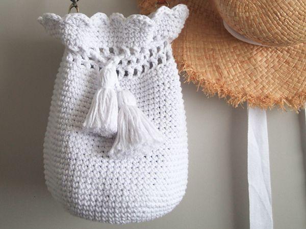 crochet Scallop Bucket Bag free pattern