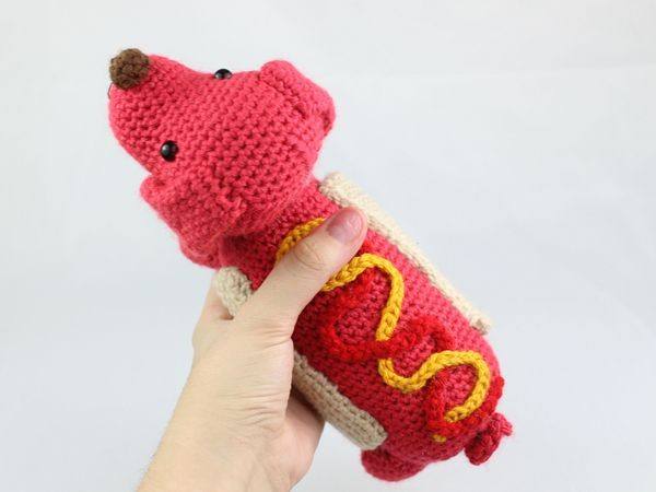 crochet Hot Dog Amigurumi free pattern
