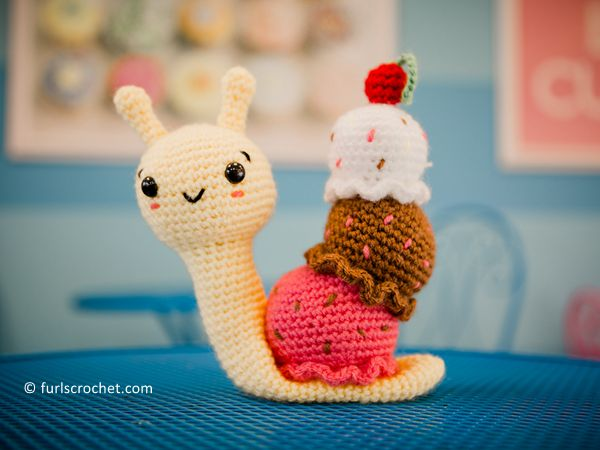 crochet Laci the Banana Split Snail free pattern