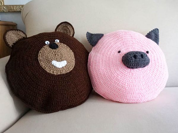 crochet Wilbur Pig Pillow Pal free pattern