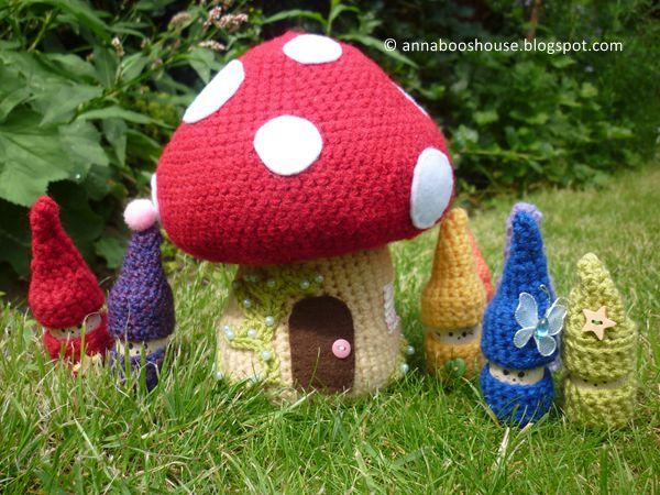 Crochet Toadstool free pattern