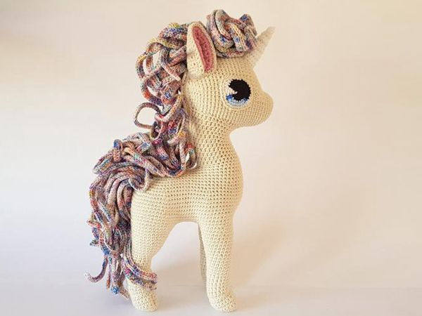 043 Crochet Pattern - Horse White Dream with wire frame ... | 450x600