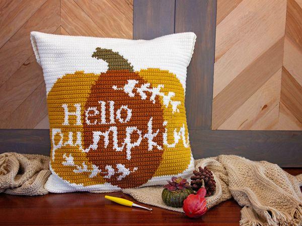 crochet Hello Pumpkin Pillow free pattern