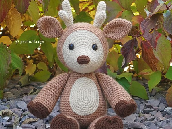 crochet Dash the Deer free pattern
