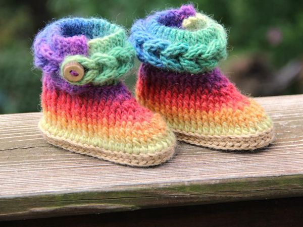 crochet Knit-Look Braid Stitch Booties easy pattern