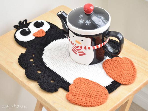 easy Roma The Happy Penguin Placemat free pattern