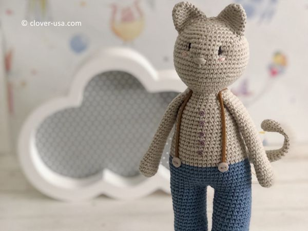 crochet Akihiro the Traveling Cat free pattern