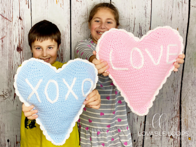 crochet Heart Pillow free pattern