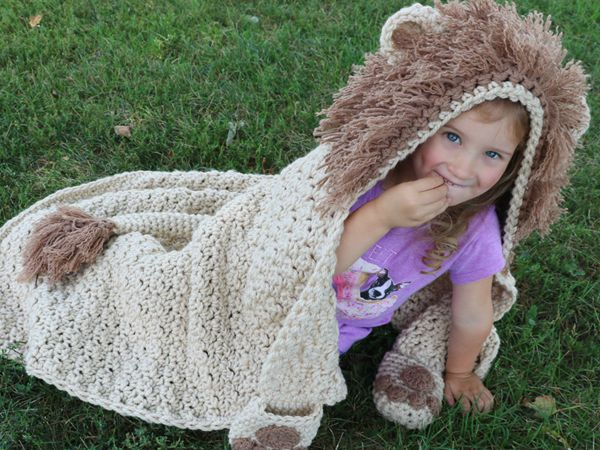 crochet Hooded Lion Blanket easy pattern