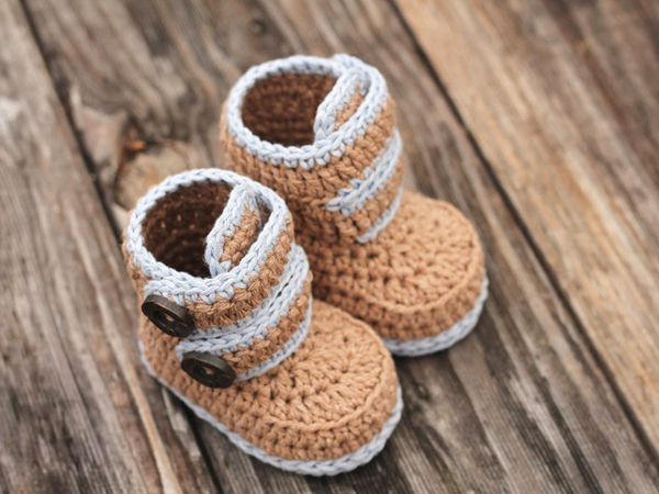 crochet Kohl Button Boot easy pattern