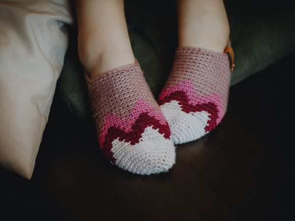 crochet Mountain Range Slippers easy pattern